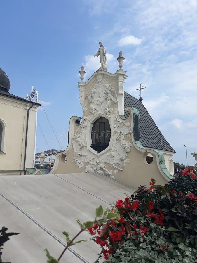 Het reizen door Polen Ongebruikelijke beeldhouwwerken van de bouw van elementen van het Klooster van Ra ³ van Jasna GÃ in CzÄ™sto royalty-vrije stock foto's
