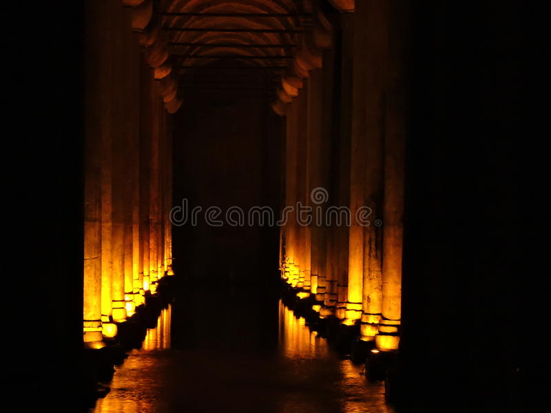 Het Reservoir Istanboel van de basiliek stock fotografie