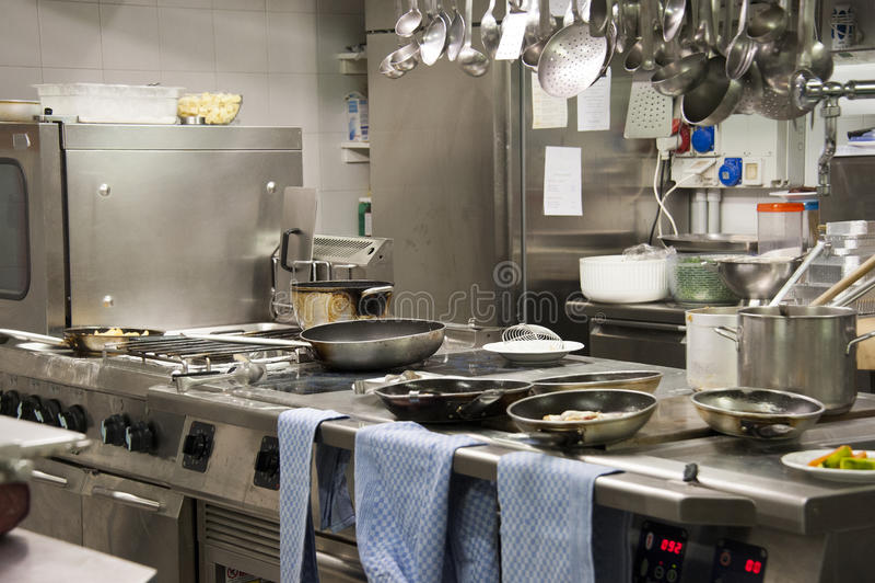 Het restaurant van de keuken stock afbeelding