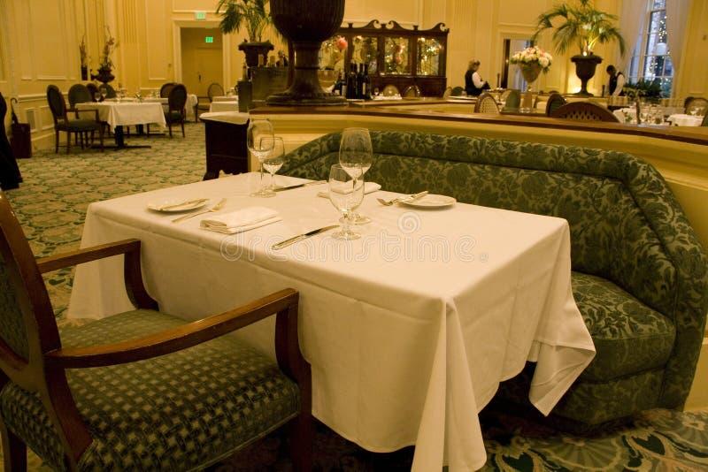 Het restaurant van de luxe stock afbeelding