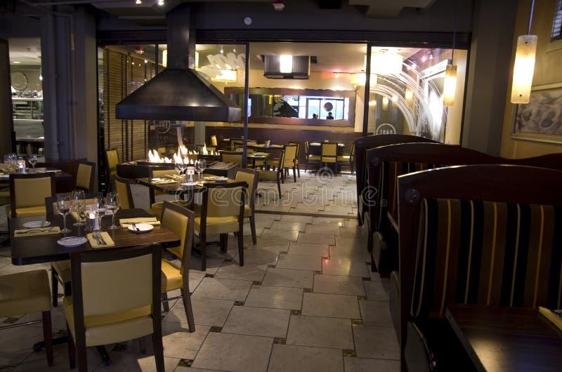 Het restaurant van de luxebar stock afbeelding
