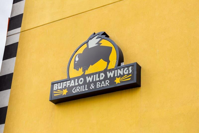 Het restaurantteken van de buffels Wild Vleugel royalty-vrije stock foto's