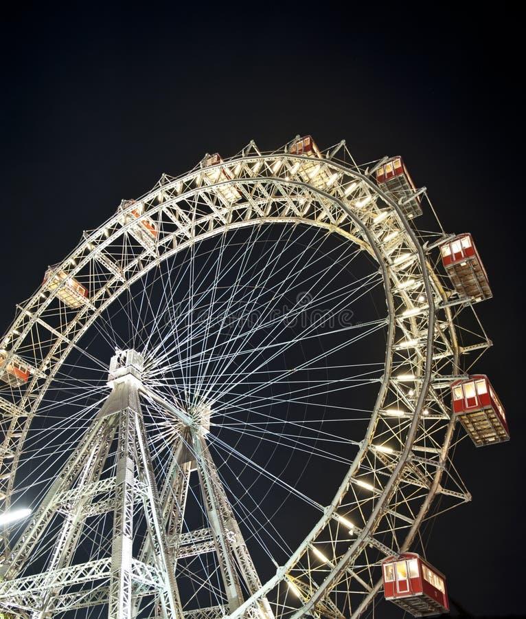Het Reuzenrad van Wenen bij nacht stock foto's