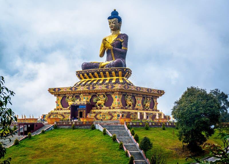 Het reuzestandbeeld van Boedha in Ravangla, Sikkim, India royalty-vrije stock fotografie