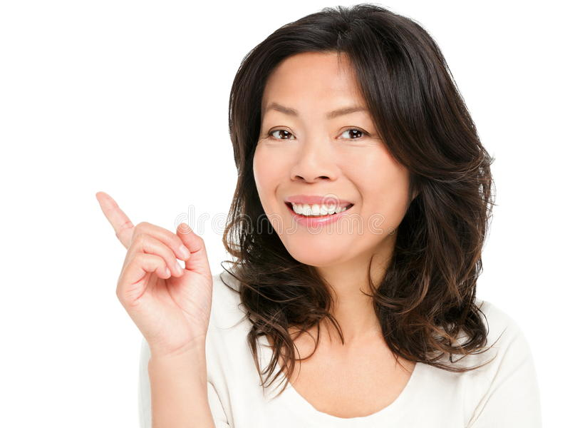 Het richten tonend Aziatische vrouw stock fotografie