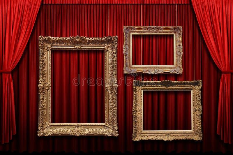 Het rode Gordijn van het Stadium met Gouden Frames royalty-vrije stock fotografie