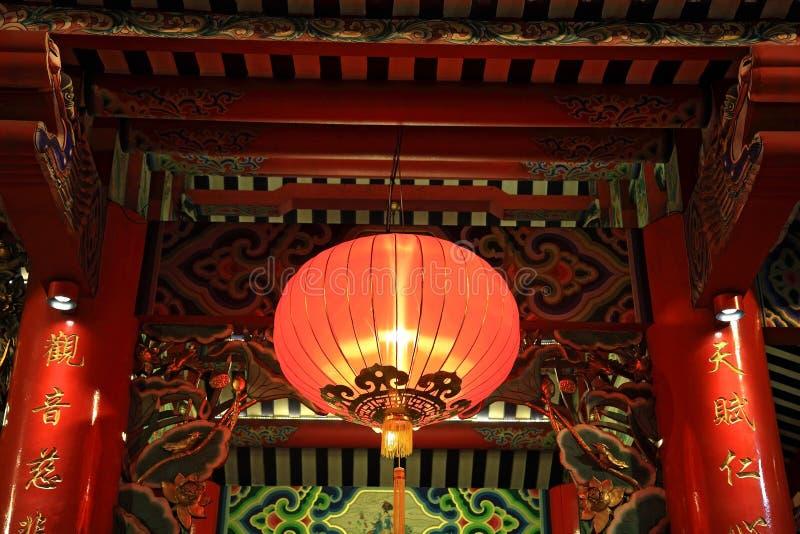 Het rode lamp of lantaarn hangen op Chinese tempel royalty-vrije stock foto