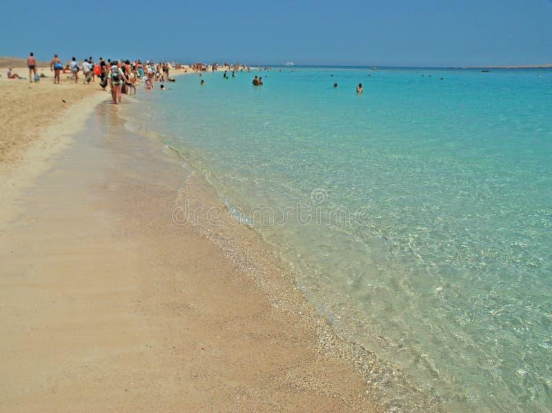 Het rode Overzees turqoise strand royalty-vrije stock foto's