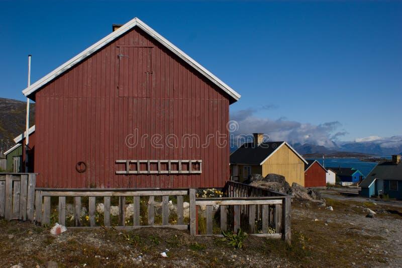 Het rode plattelandshuisje van de Visserij met ladder royalty-vrije stock foto