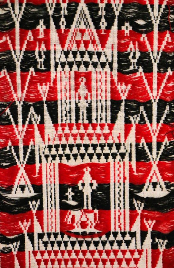 Download Het Rode Thaise Patroon Van De Zijdestof Stock Afbeelding - Afbeelding bestaande uit zijde, ontwerp: 39117557