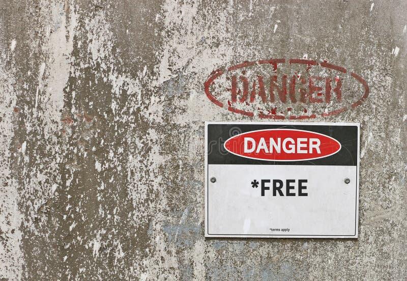 Het rode, zwart-witte Gevaar, *Free-Termijnen past waarschuwingsbord toe royalty-vrije stock foto's