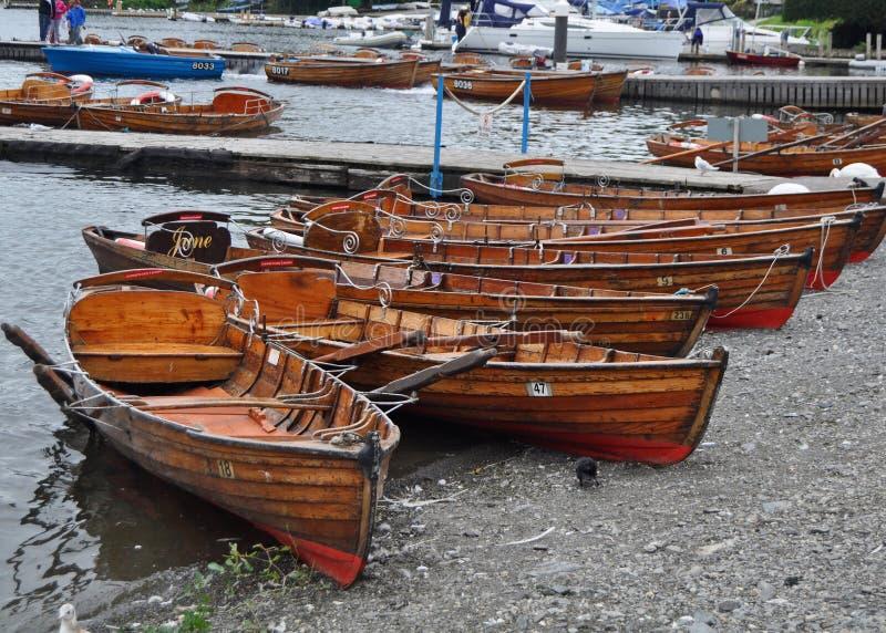 Het roeien van boten voor huur royalty-vrije stock foto's
