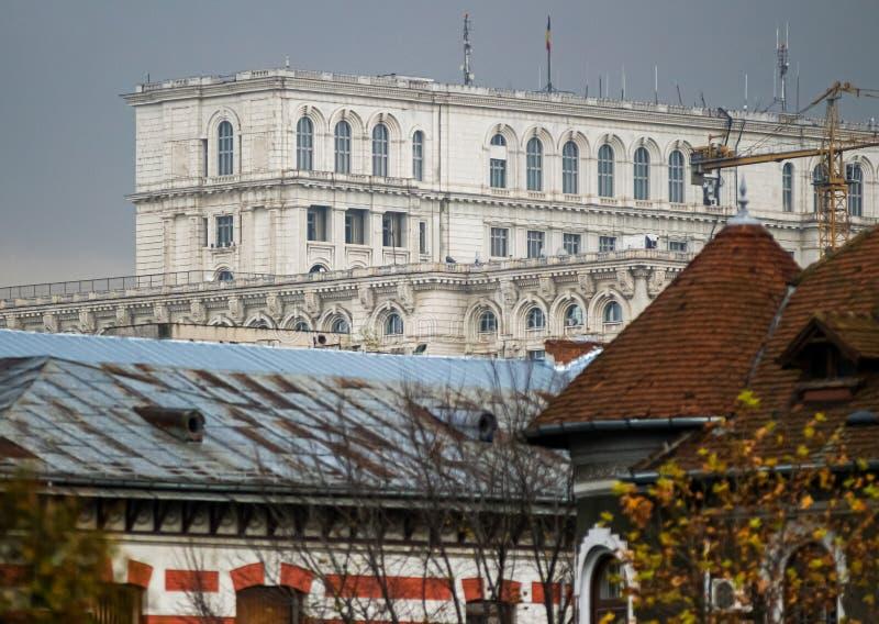 Het Roemeense Parlement - Architectuur in Boekarest royalty-vrije stock foto