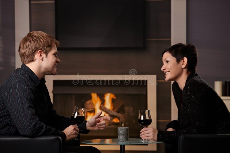 Het romantische paar dateren stock foto