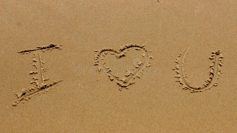 Het romantische strand van het liefdehart royalty-vrije stock foto's