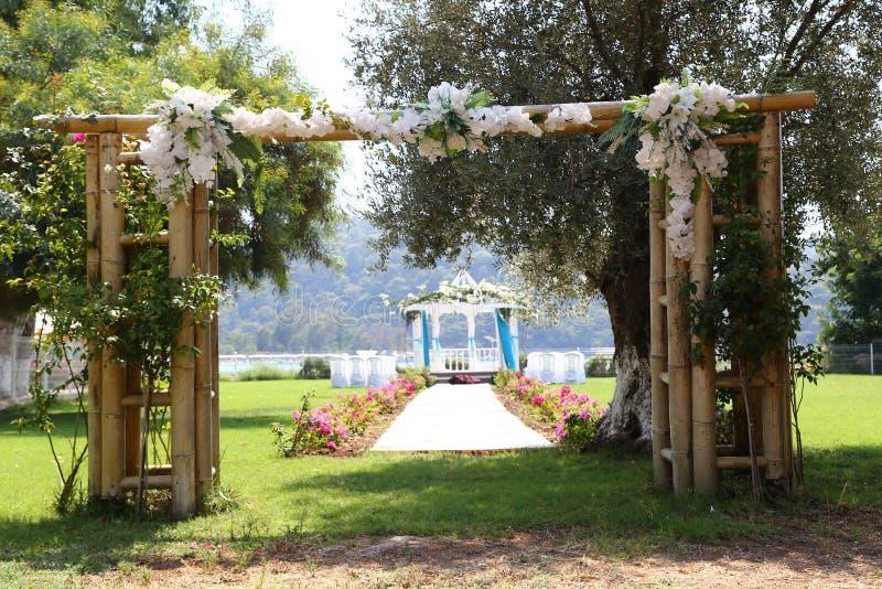 Het romantische Trefpunt van de Dag van het Huwelijk royalty-vrije stock afbeelding