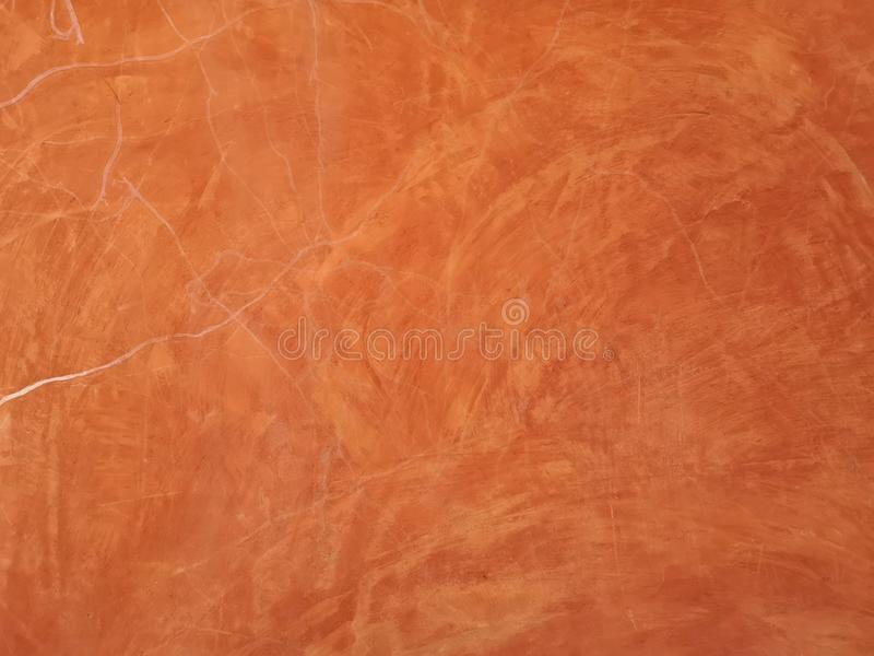 Het roodbruine kleur schilderen met witte kraslijn op concrete de muurtextuur van het oppervlaktemortier, abstracte achtergrond o royalty-vrije stock fotografie