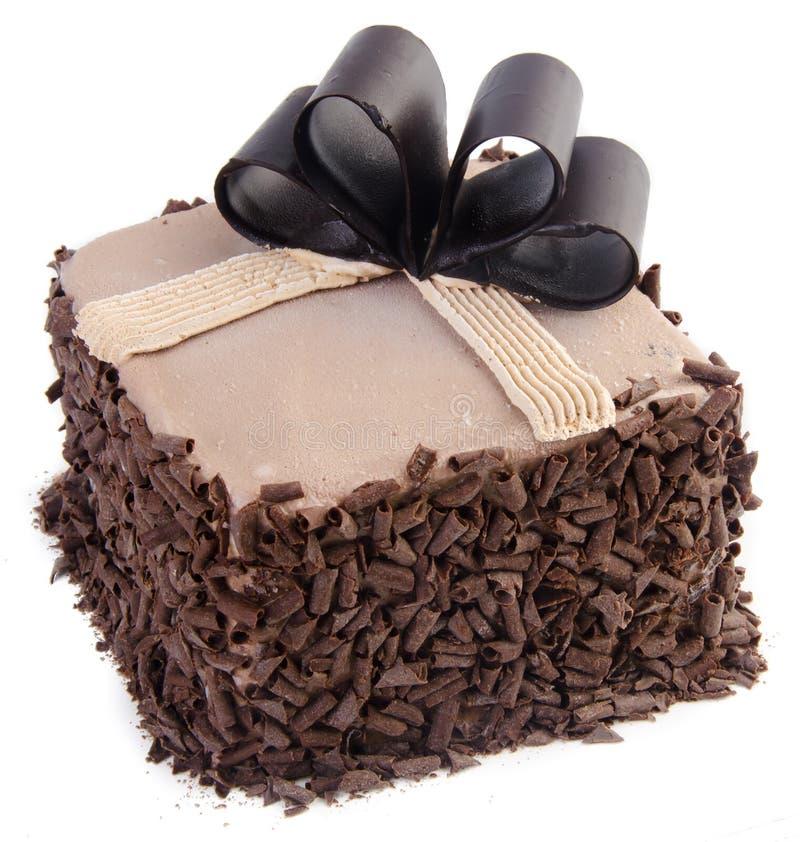 Het roomijskegels van de aardbei, van de chocolade, van de vanille en van de pistache over witte achtergrond de cake van het choc stock afbeeldingen