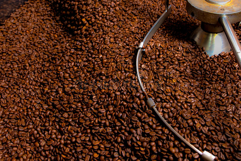 Het roosteren procédé van koffie, productie royalty-vrije stock foto