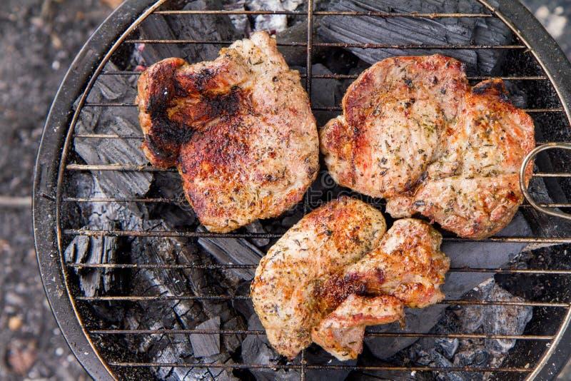 Het roosteren van Klemlapje vlees royalty-vrije stock afbeeldingen