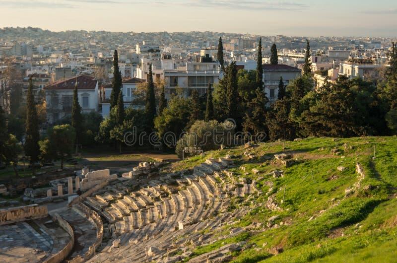 Het ruïnestheater van Dionysus in zonsopgang Zuidwestenhelling van stock fotografie
