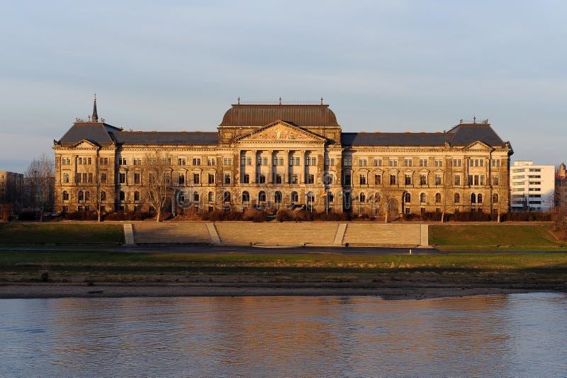 Het Saksische Ministerie van de Staat van Financiën in Dresden stock foto's