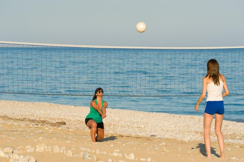 Het salvo van het strand stock afbeelding