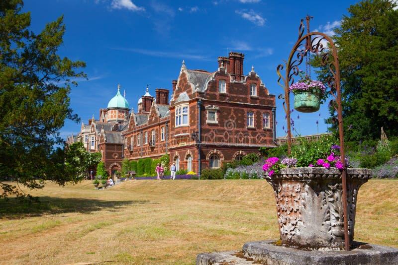 Het Sandringhamhuis is een buitenhuis op 20.000 acres van land noch royalty-vrije stock foto's