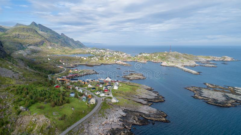 Het satellietbeeld op lofoten Mooi de zomerlandschap in Noorwegen stock fotografie