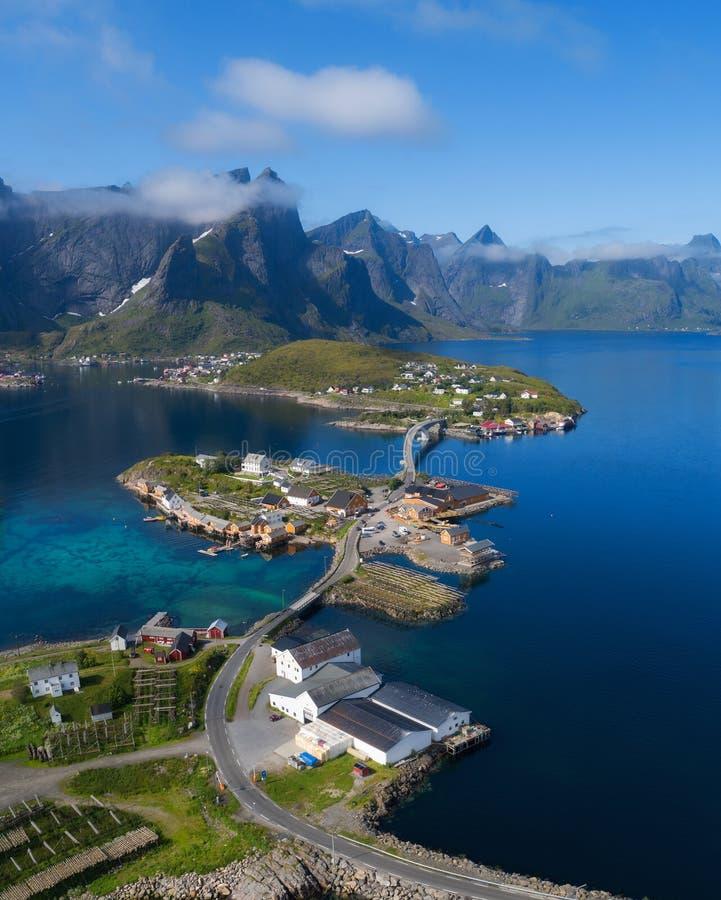 Het satellietbeeld op lofoten Mooi de zomerlandschap in Noorwegen royalty-vrije stock fotografie