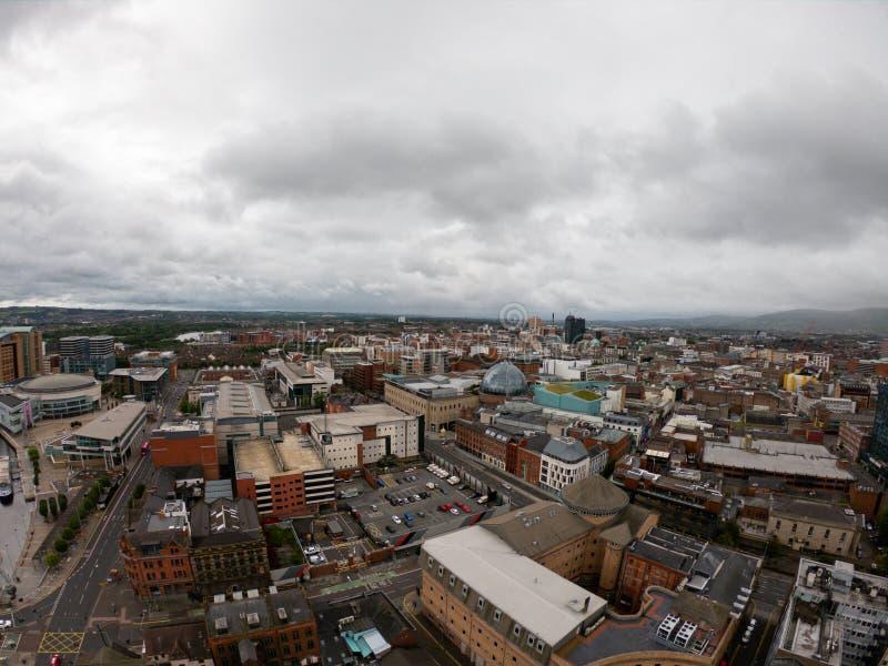 Het Satellietbeeld van Belfast, Noord-Ierland van architectuur en gebouwen Weergeven op Stad van hierboven stock afbeelding