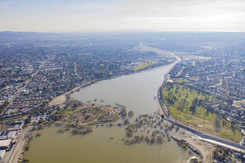Het satellietbeeld van mooi pikt wegpark stock fotografie