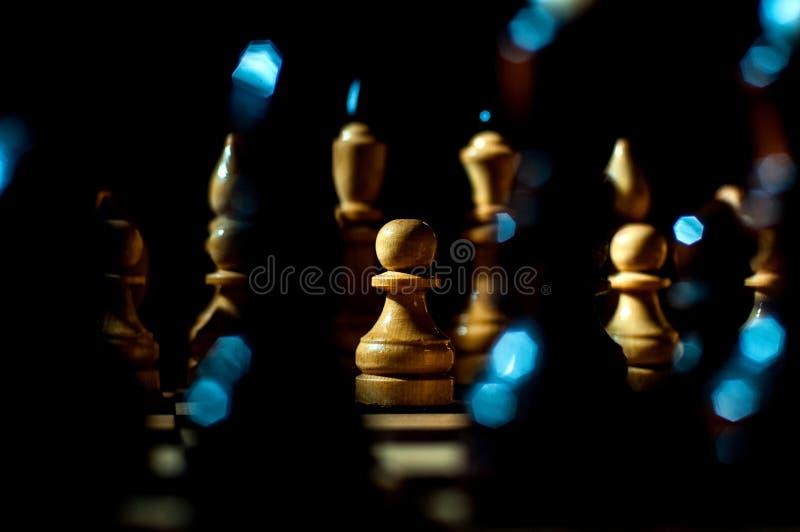 Het schaak is een spel van de logicaraad met speciale stukken die op een 64 celraad voor twee tegenstanders, elementen van kunst, royalty-vrije stock fotografie