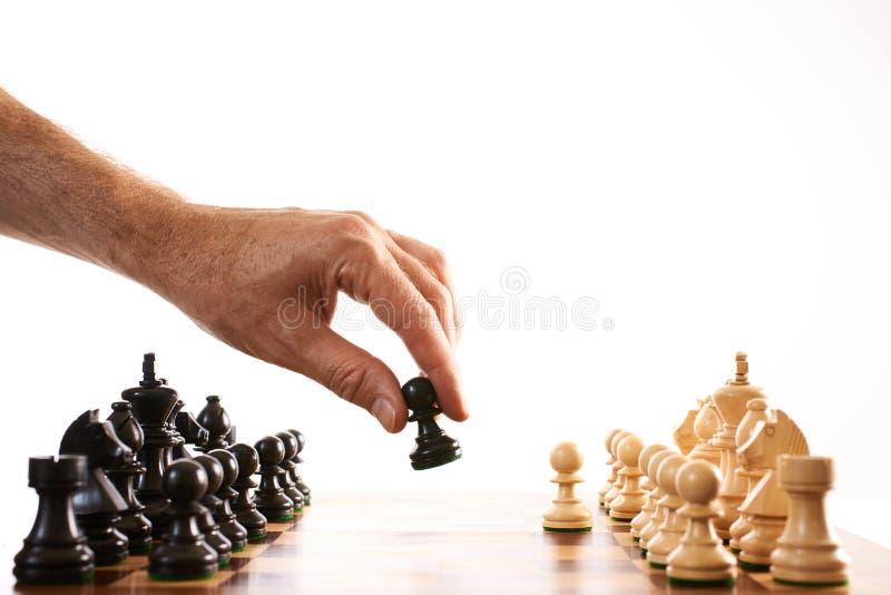 Het schaak maakt de eerste beweging royalty-vrije stock afbeelding