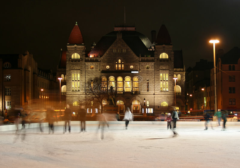 Het schaatsen in Helsinki stock foto's