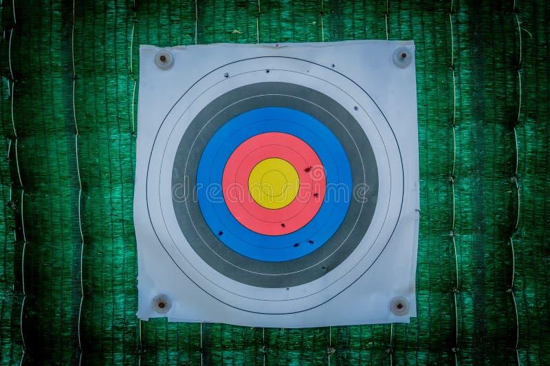Het schieten van doel en bullseye met kogelgaten royalty-vrije stock foto's