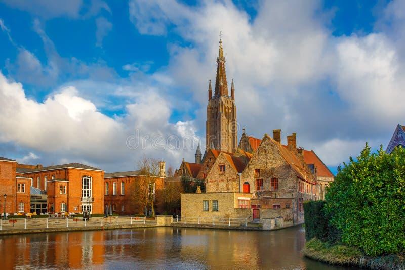 Het schilderachtige stadslandschap in Brugge, België royalty-vrije stock fotografie