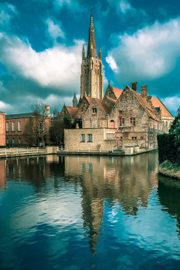 Het schilderachtige stadslandschap in Brugge, België royalty-vrije stock foto