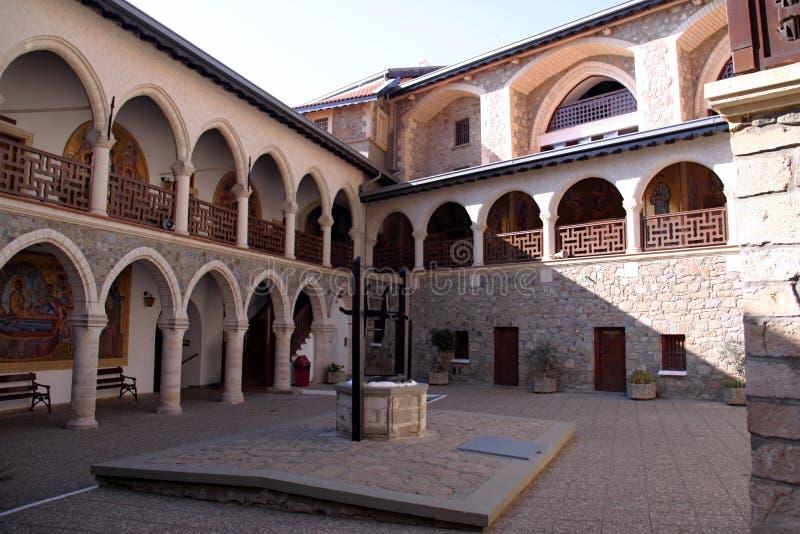 het schilderen van St George bij de ingang aan het klooster van Agios Georgios, Cyprus royalty-vrije stock fotografie