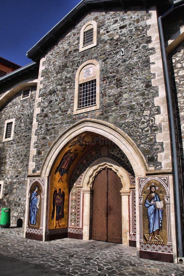 het schilderen van St George bij de ingang aan het klooster van Agios Georgios, Cyprus stock afbeelding