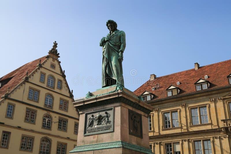 Download Het Schiller-monument In Schiller-vierkant, 1839, Stuttgart, Duitsland Stock Afbeelding - Afbeelding bestaande uit classicism, duitsland: 107704943