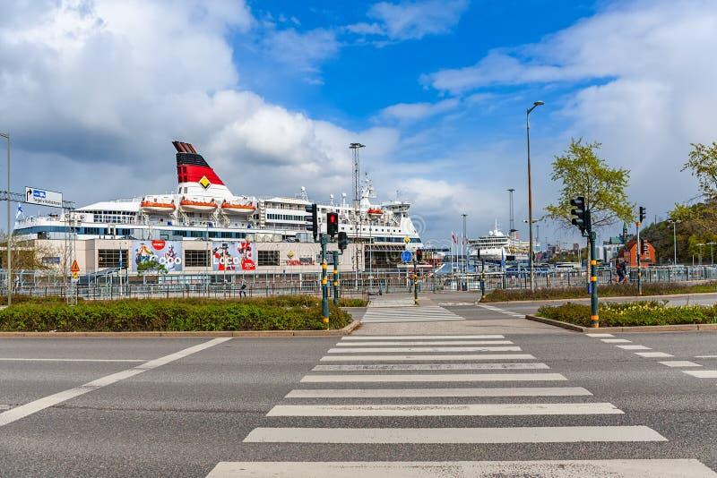 Het schip Gabriella van de cruisepassagier Viking Line-bedrijf wordt vastgelegd op veerboot eindstadsgarden op Sodermalm-waterkan royalty-vrije stock fotografie