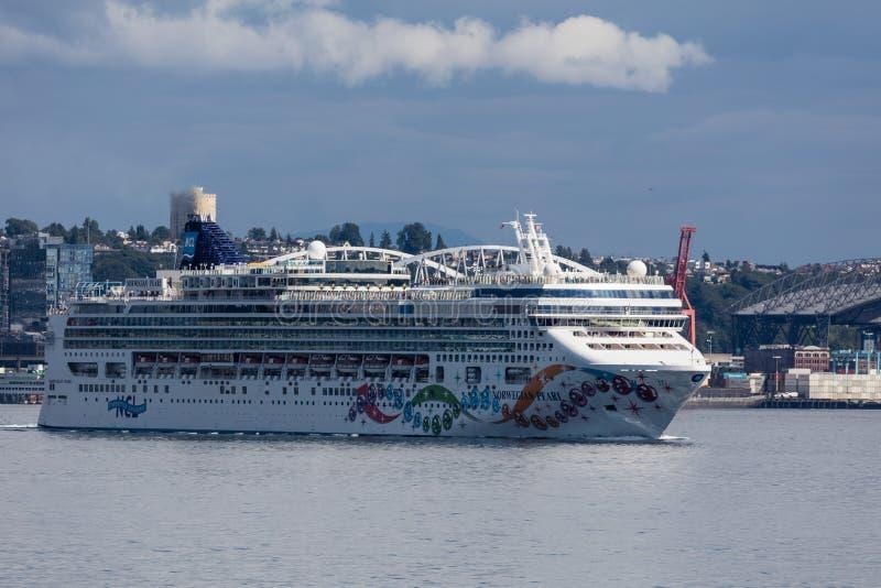 Het schip van de cruise in Seattle royalty-vrije stock foto's