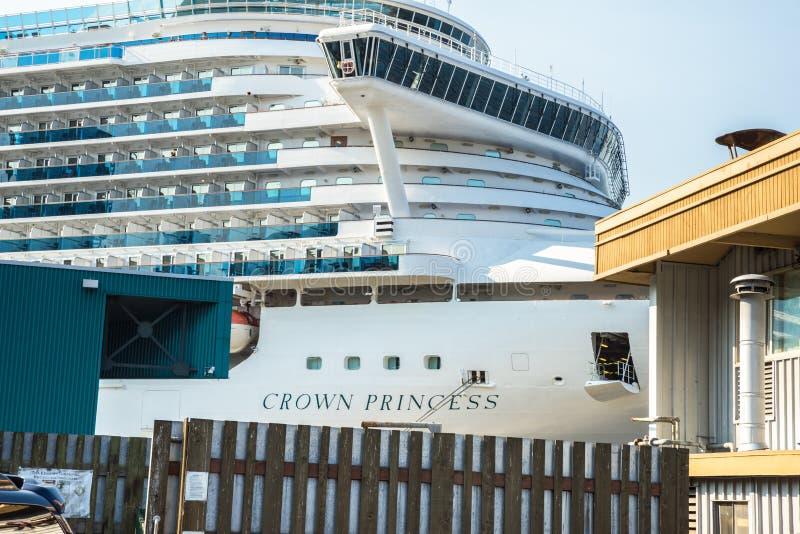 Het schip van de kroonprinsescruise te de waterkant die van Seattle wordt gedokt royalty-vrije stock afbeelding