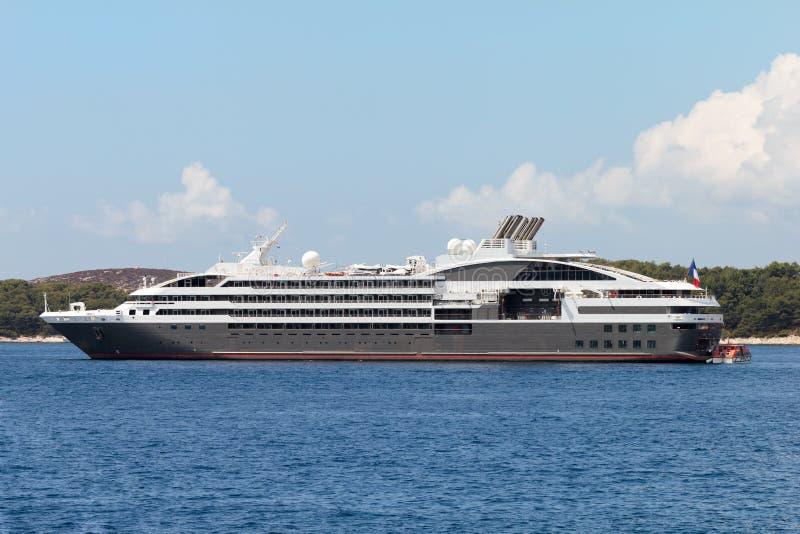 Het schip van de kruiser royalty-vrije stock foto's