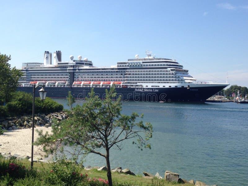 het schip van de luxecruise Koningin Victoria stock fotografie