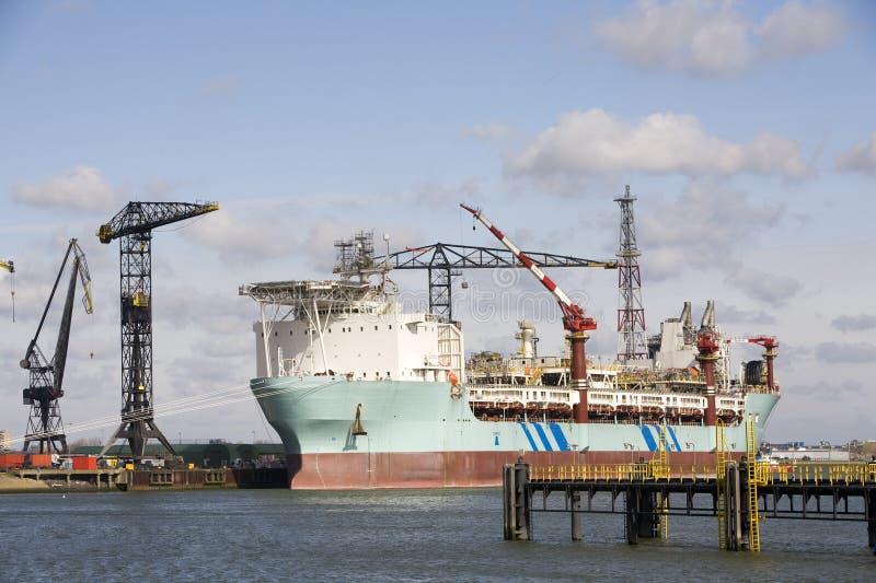 Het schip van de olie stock afbeelding