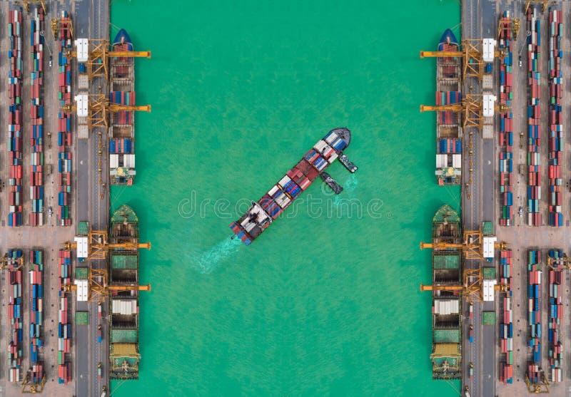 Het schip van de satellietbeeldcontainer van zeehaven die voor de verzending van leveringscontainers werken Geschikt gebruik voor royalty-vrije stock foto