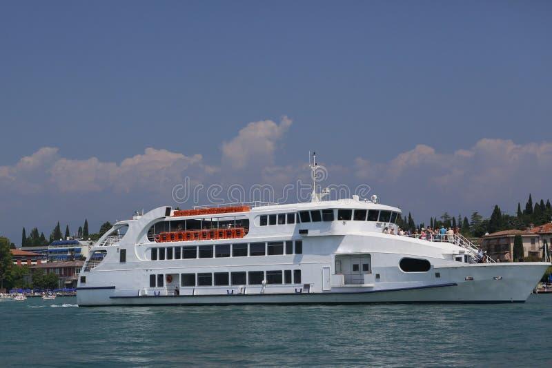 Het schip van de toerist stock foto's