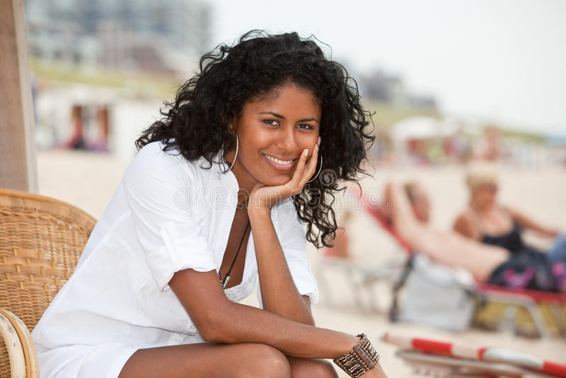 Het schitterende meisje ontspannen royalty-vrije stock foto's